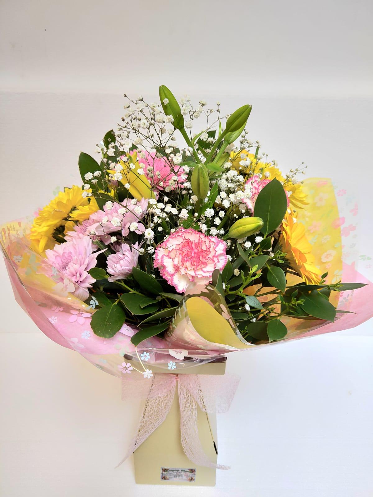 Amazing Blooms Medium Bouquets